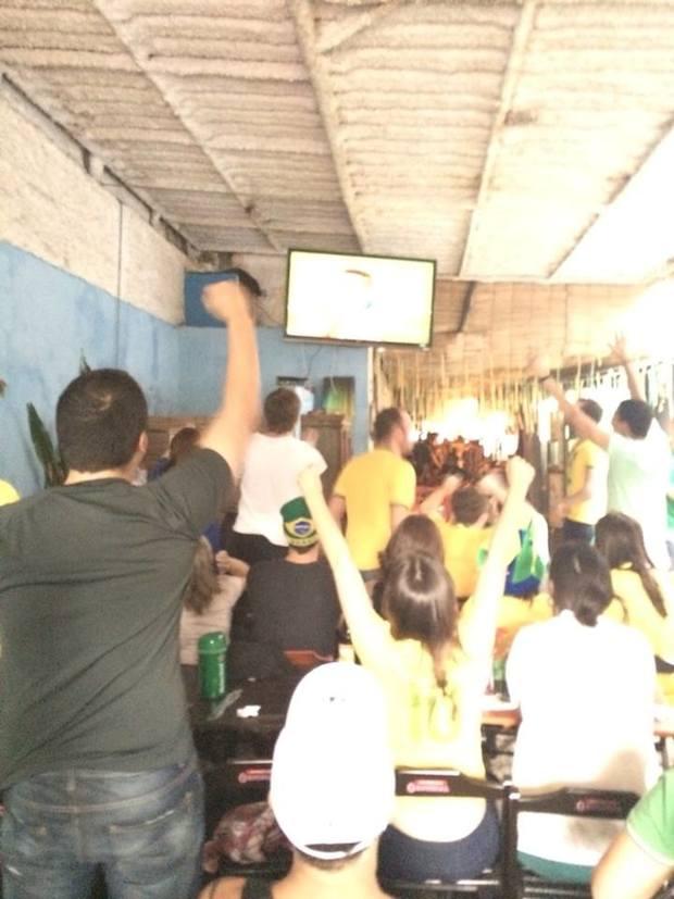 """""""Vai, Neymara!"""" É do Brasil (Vitor Angelo)"""