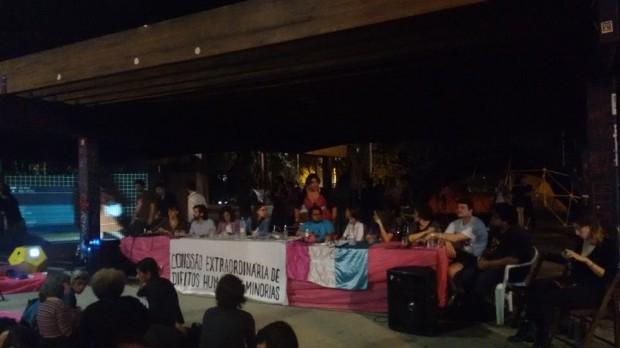 Mesa da 11ª sessão da CXDHM  que aconteceu no final da Parada, na Praça Roosevelt (Reprodução/Facebook)