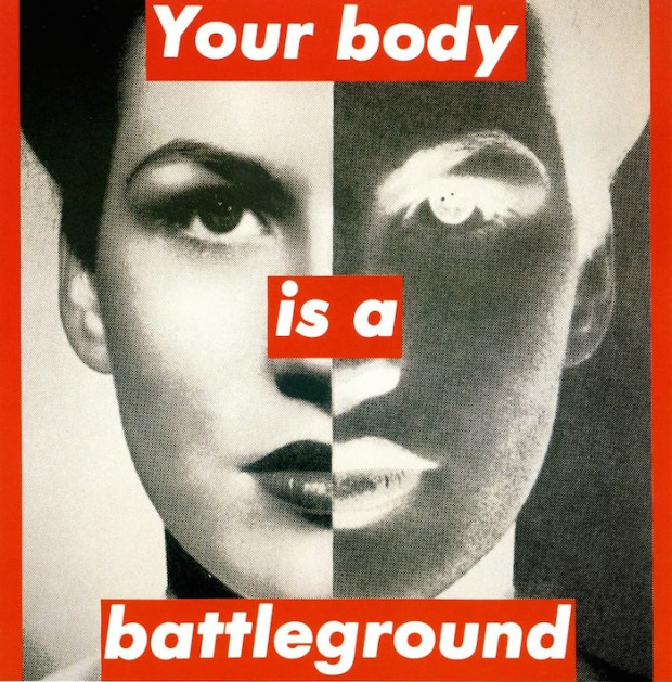 """Untitled (Your Body Is a Battleground)"" [Sem Título (Seu Corpo é um Campo de Batalha)], (1989), da artista Barbara Kruger"